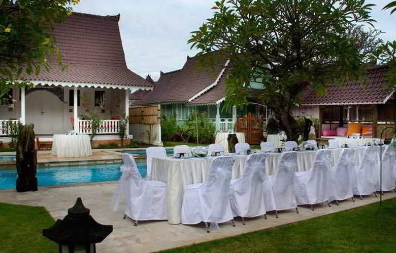 Hotel Puri Tempo Doeloe - Pool - 9