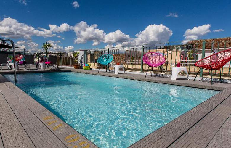 NYX Madrid - Pool - 3