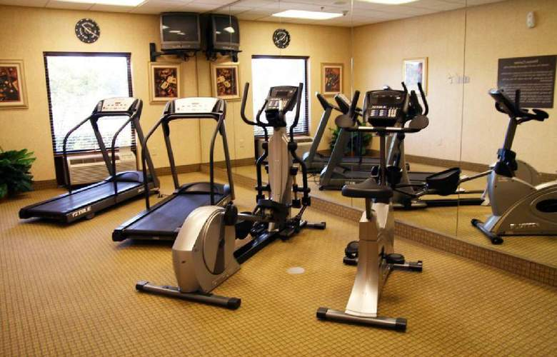 Hampton Inn & Suites Tampa-East - Sport - 2