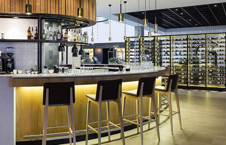 Novotel Amsterdam Schiphol Airport - Bar - 14