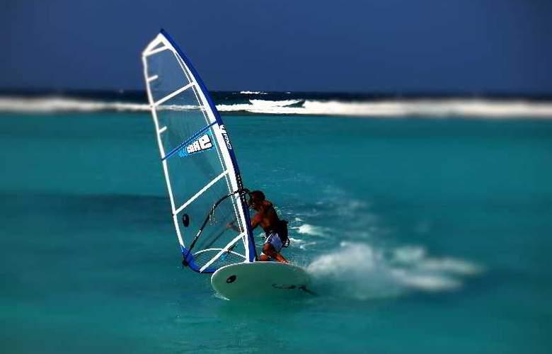 Palm Beach Resort & Spa Maldives - Hotel - 23