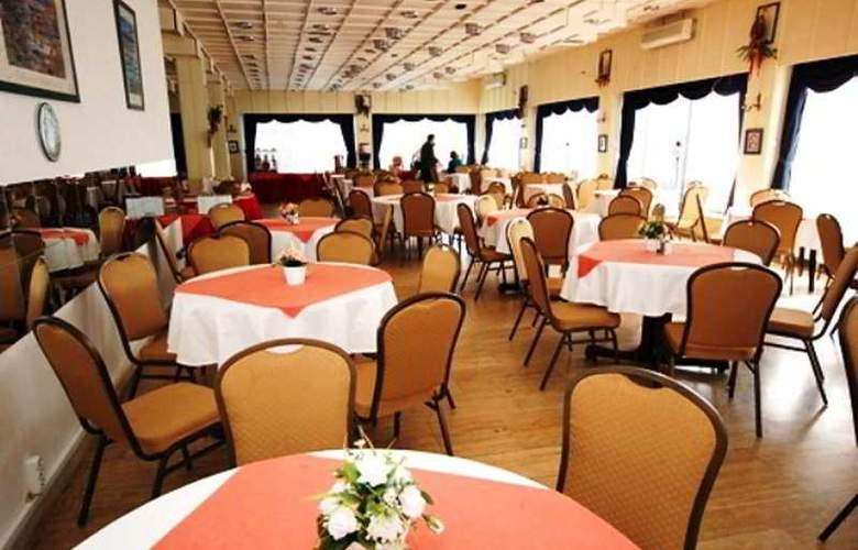 Europa Hotels & Congress Center - Standard - Restaurant - 11
