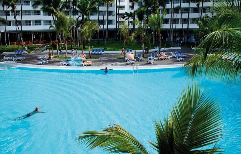 Riu Naiboa - Pool - 11