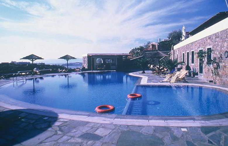 San Antonio Summerland - Pool - 3