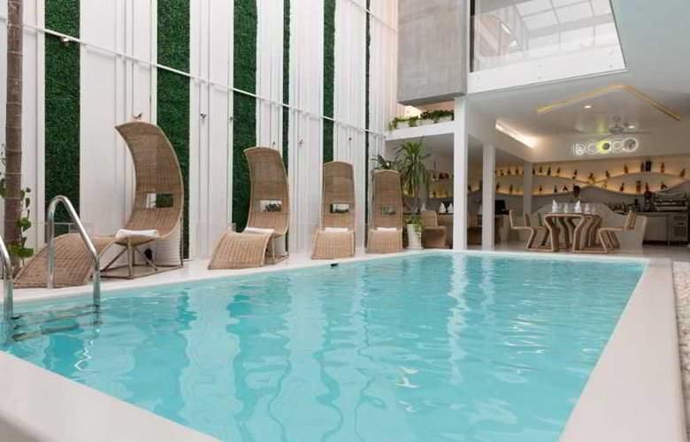 Le Blanc Boutique Hotel - Pool - 21