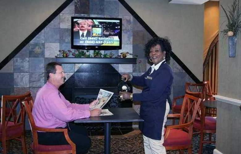 Hampton Inn Charlotte-Uptown - Hotel - 10
