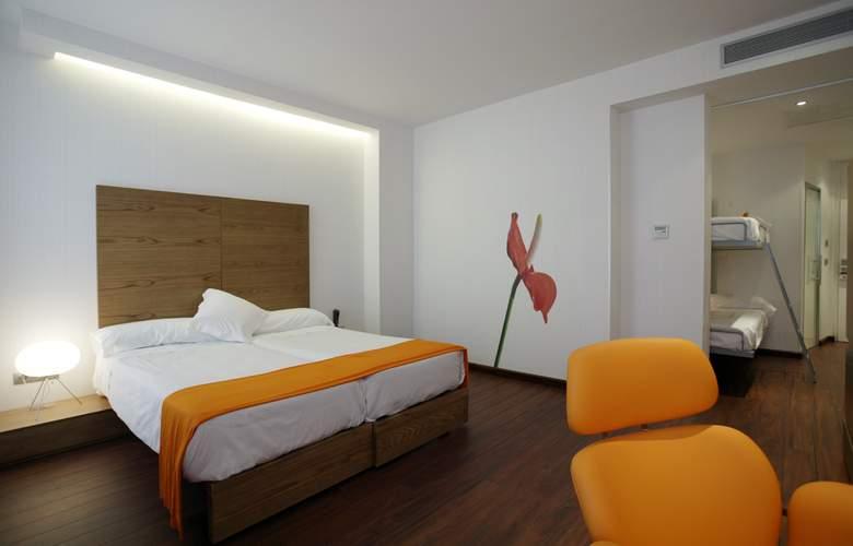 Petit Palace Plaza Málaga - Room - 9