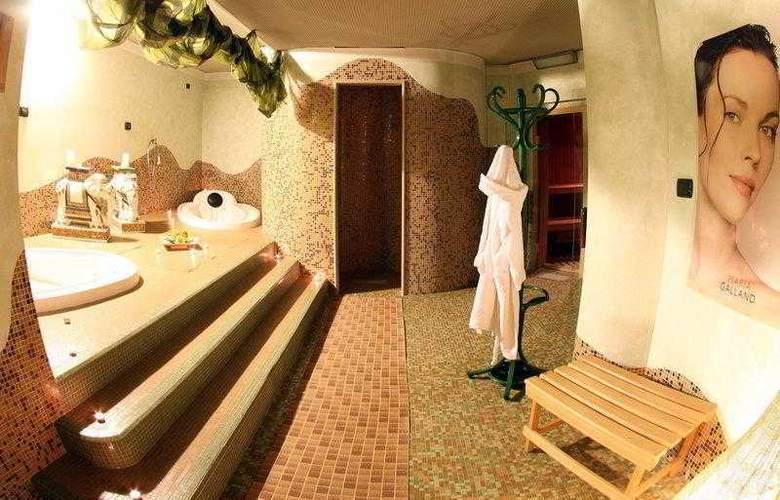 Best Western Hotel Dei Cavalieri - Hotel - 5