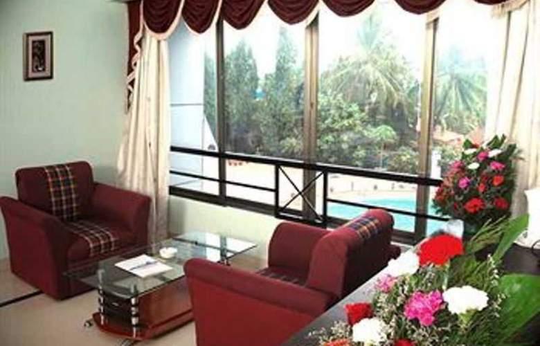 Silver Sands Beach Resort - Room - 9
