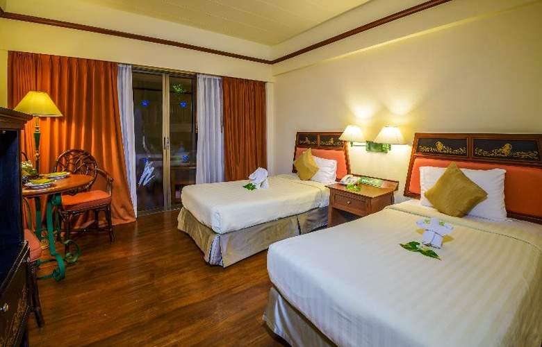 Seaview Patong - Room - 17