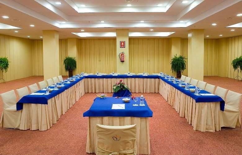 Puerto de La Cruz - Conference - 32