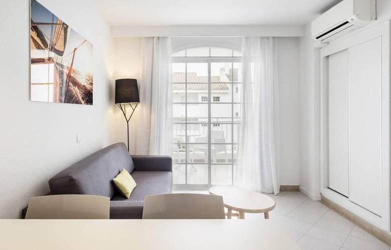 Ilunion Menorca - Room - 11