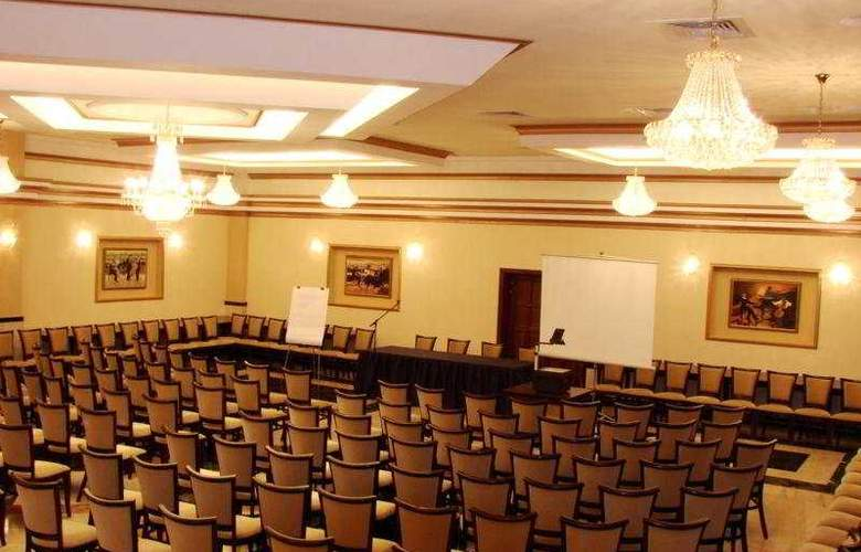 Central Ploiesti - Conference - 10
