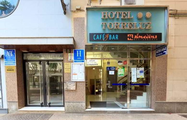Apartamentos Torreluz - Hotel - 1