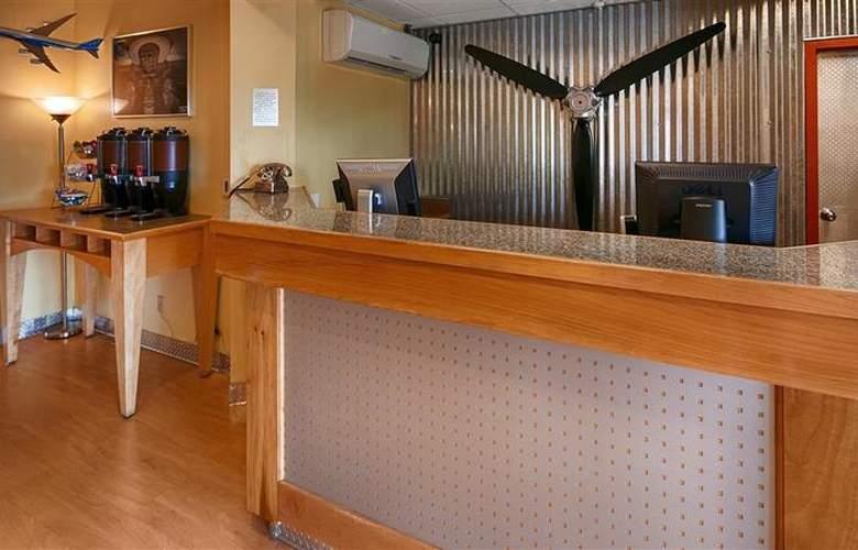 Best Western Plus Navigator Inn & Suites - General - 7
