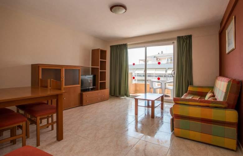 California Apartamentos - Room - 10