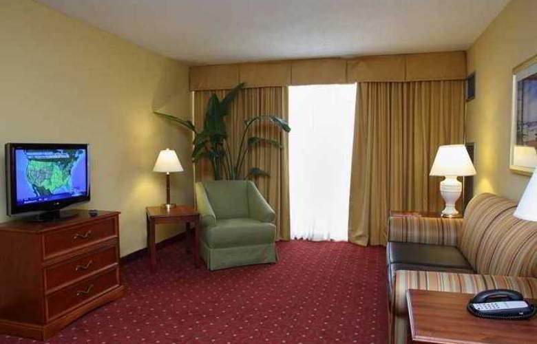 Embassy Suites Tampa - Airport - Westshore - Hotel - 6