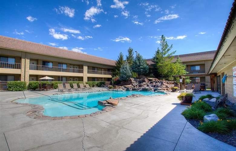 Best Western Foothills Inn - Pool - 83