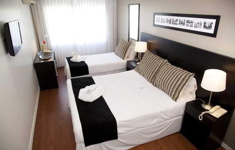 Pocitos Plaza Hotel - Room - 16