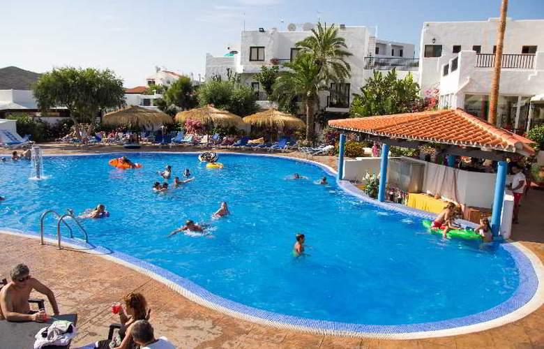 Carema Club Resort - Pool - 15