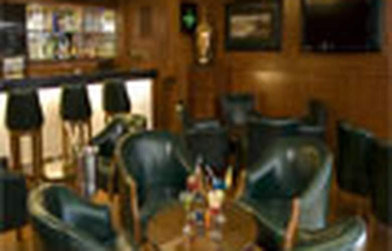 Shilton Royale - Bar - 6