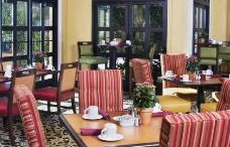 Hilton Garden Inn Cupertino - Restaurant - 2