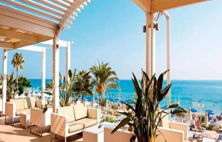 Sunrise Beach Hotel - Terrace - 17