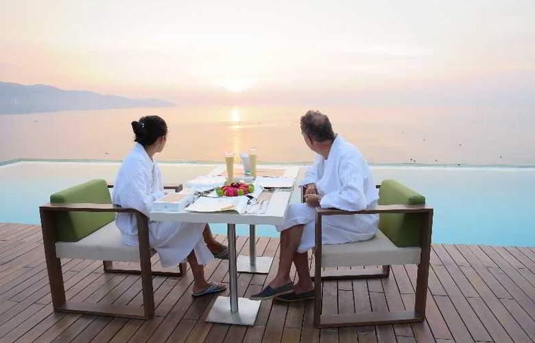 A La Carte Danang Beach - Restaurant - 5