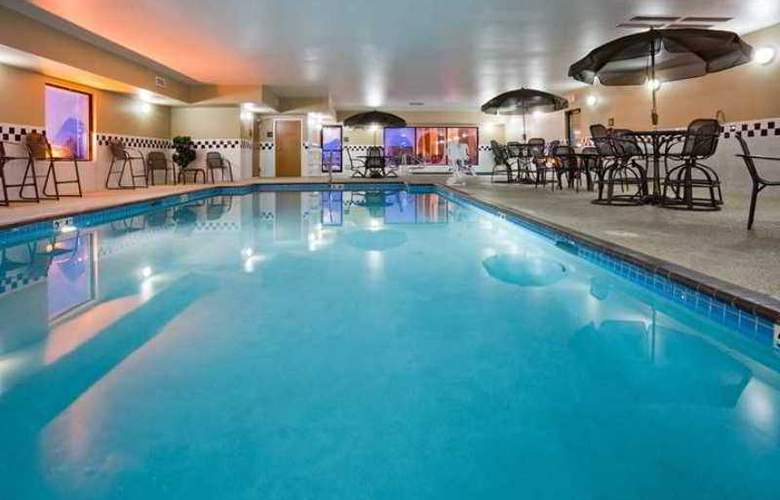 Hampton Inn Mitchell - Hotel - 2