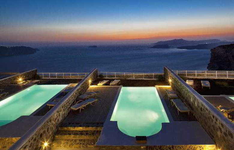 Thermes Luxury Villas - Pool - 33