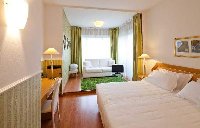 Nasco - Room - 13