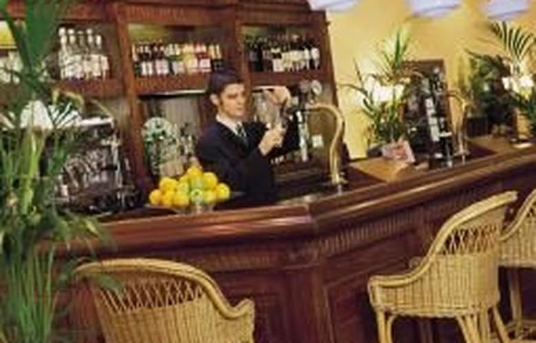 Strand Palace - Bar - 1