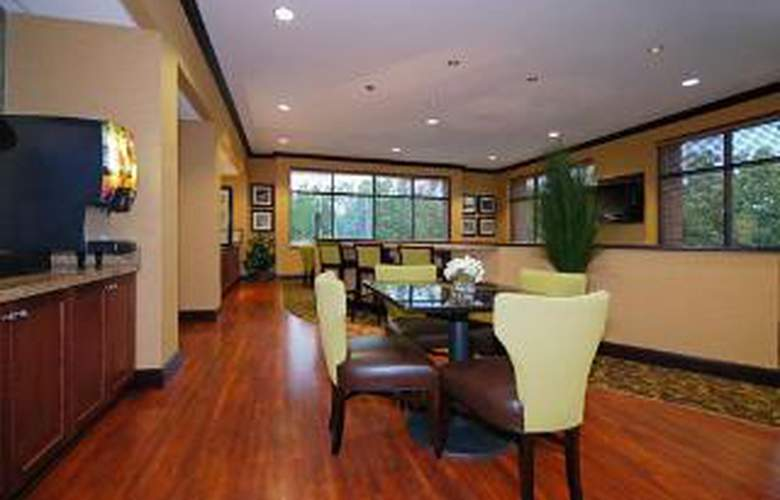 Comfort Suites Southwind - General - 1