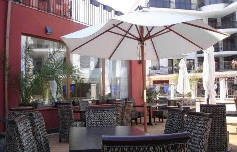 Sun Hotel - Terrace - 9
