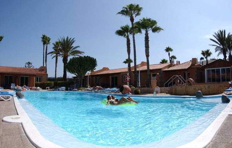 Los Almendros (gay, lesbian & friends) - Pool - 8