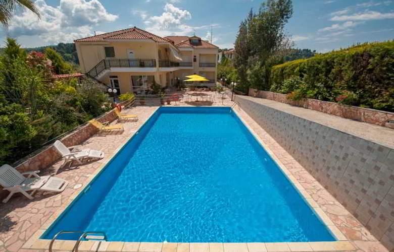 Athina - Pool - 18