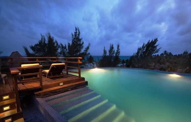 Pueblito Escondido Luxury Condohotel - Pool - 8