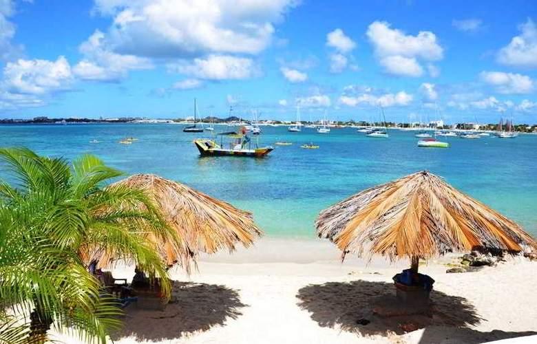 Simpson Bay Beach Resort and Marina - Beach - 29