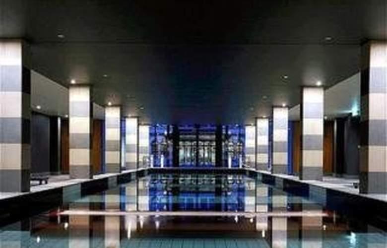 Mansion Hotel & Spa at Werribee Park - Pool - 4