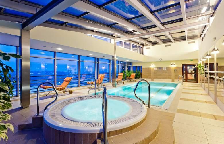 Qubus Hotel Krakow - Pool - 4