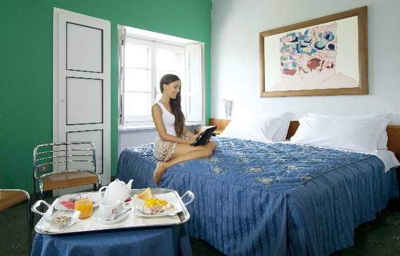 Grand Hotel La Torre - Room - 8