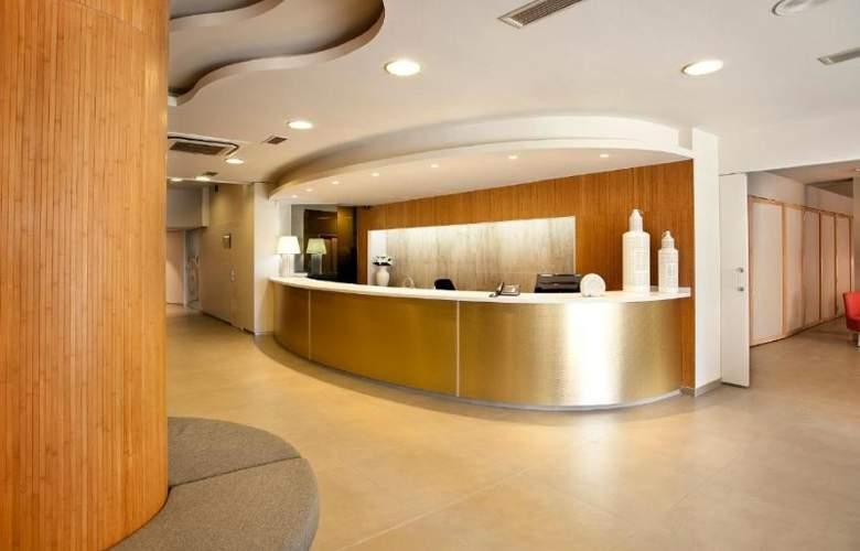 Port Eugeni Apartamentos - General - 1
