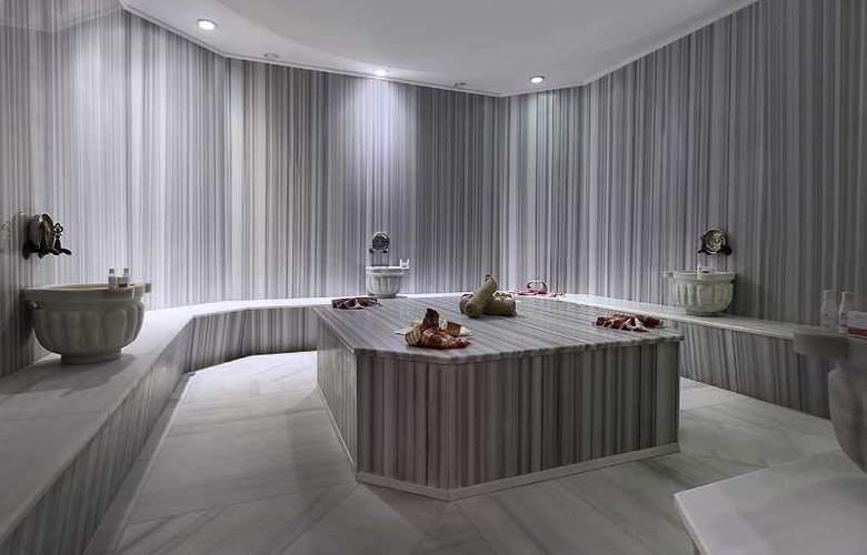 Ramada Hotel & Suites Atakoy - Sport - 36