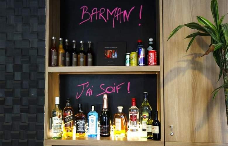 Best Western Littéraire Arthur Rimbaud - Bar - 45