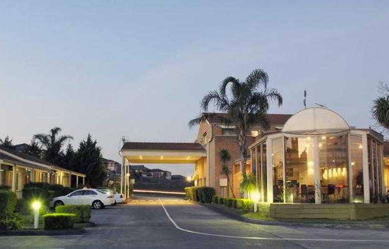 Best Western Airport Motel And Convention Centre - Hotel - 6