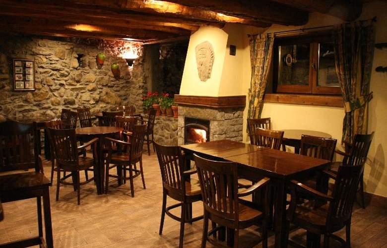 Casa Cornel - Bar - 16