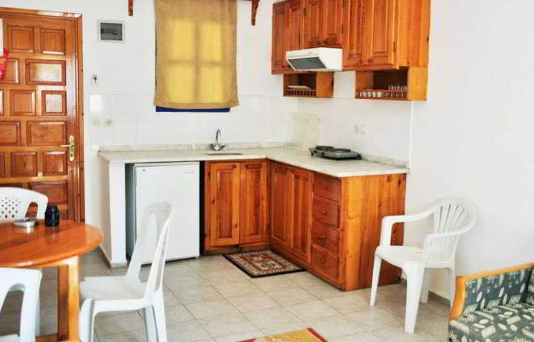 Dilek Hotel & Apartments - Room - 6