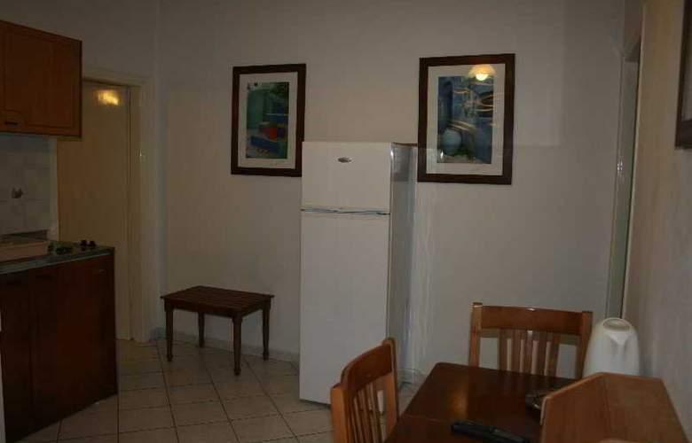 Marina Apartments & Studios - Room - 12