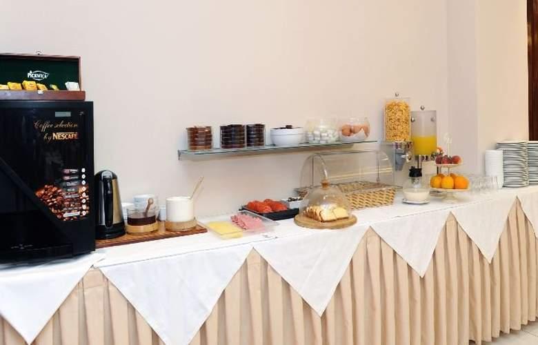 Elena - Restaurant - 10