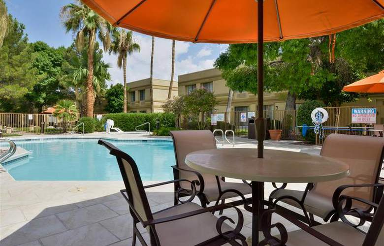 Best Western Tucson Int'l Airport Hotel & Suites - Pool - 120